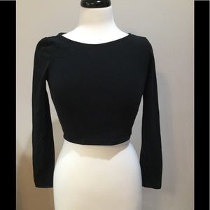 Long sleeve medium black crop top